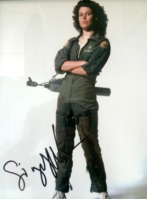 Sigourney Weaver (autograph)